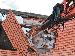 Демонтаж здания из кирпича