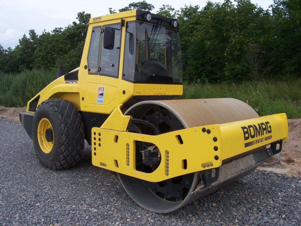 Каток BOMAG BW214 DH-4