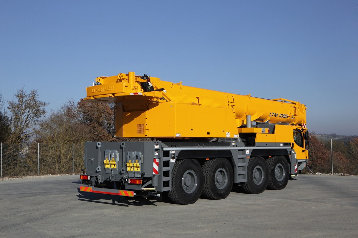 Автокран Liebherr LTM 1090 90 тонн