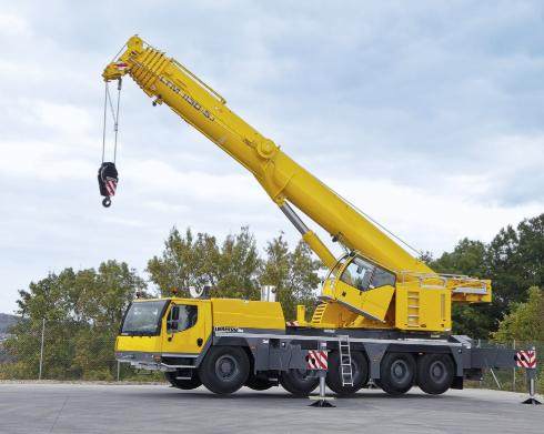 Автокран Liebherr LTM 1130-5.1 грузоподъёмностью 130 тонн